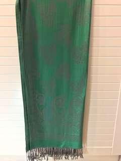 🚚 綠色長圍巾