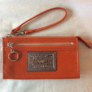 Like New Coach Poppy Patent Orange Zippy Wristlet Wallet Clutch ORANGE