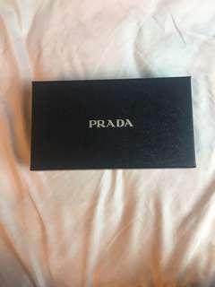PRADA 盒