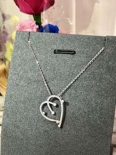 心心控必買之選💕 又一款氣質美女款式的心型項鍊❗️特別的心型設計更顯出個人的獨特氣質✨ 18k白金鑽石19份💎