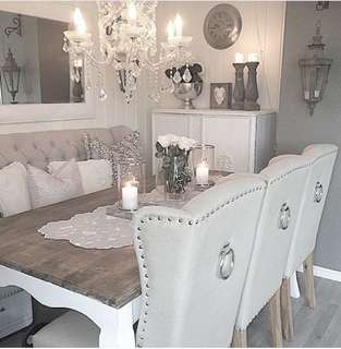 Tufted dining chair
