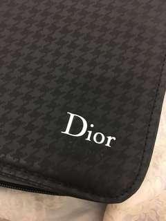 全新Dior可攜帶型化妝箱