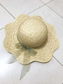 Beach hat / topi pantai