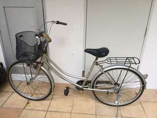 Vintage bicycle..good condition...to sell fast..call for more infos at 96562884
