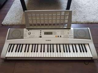 Yamaha portable keyboard PSR E303