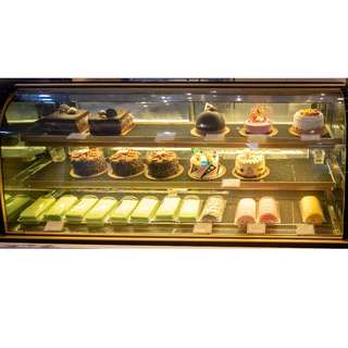 6ft , 3-Tiers Cake Display Showcase Chiller