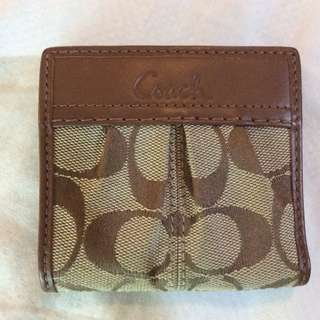 Like New Coach Soho Signature Pleated Small Bi-Fold Wallet KHAKI