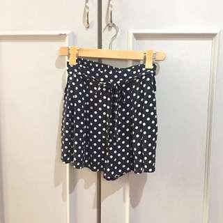 Forever 21 Shorts/ Skort size L on Tag