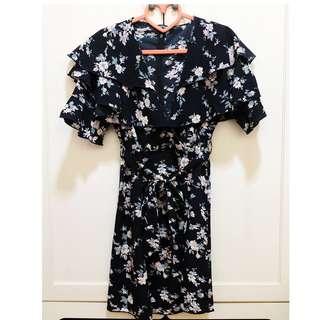 BN Boohoo Navy Floral Dress