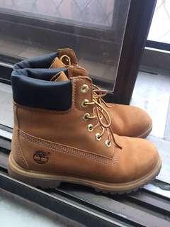 🚚 Timberland 經典女版黃靴
