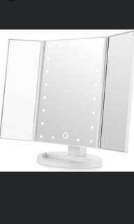 Makeup Mirror Without Light