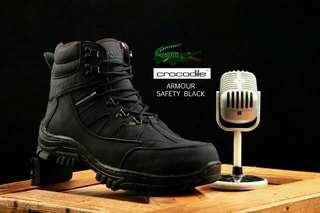 Sepatu safety crocodile