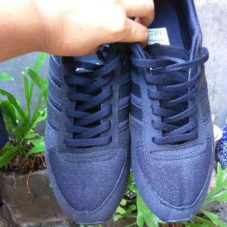 Adidas fullblack