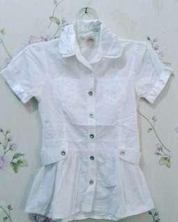 Kemeja putih fashion