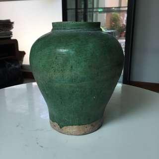A late Ming green glaze pottery vase