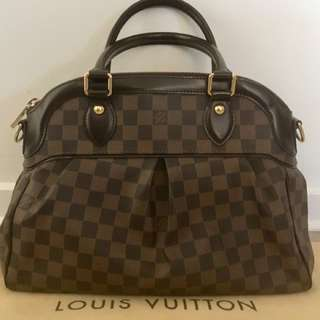 Authentic LV Trevi PM