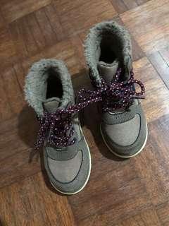 Oshkosh boots unisex