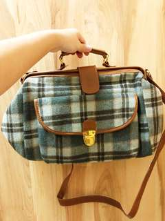 Pull & Bear Vintage-Inspired Wool Bag