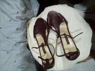 Shoes/ Sandals