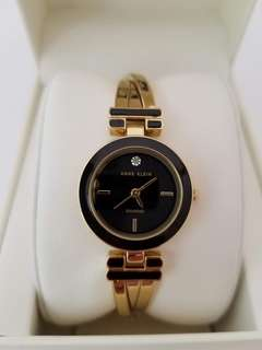 Women's Watches. P4,500