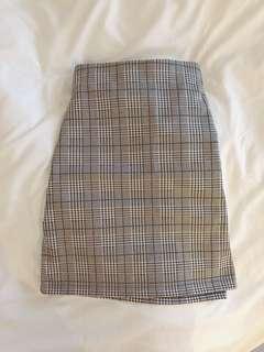 Plaid black skirt