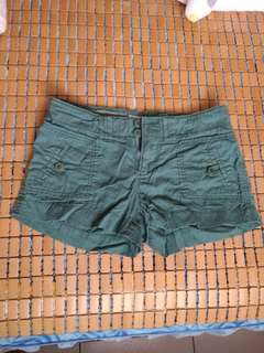 🚚 Rubon綠色短褲