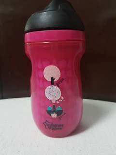 Tommee tippee active flip up straw cup