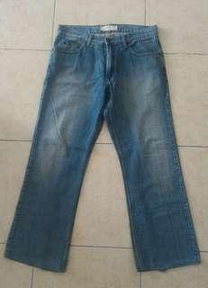 Celana Panjang Jeans Pria Merk Cole Preloved Murah