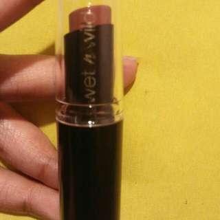 Wet 'n Wild lipstick
