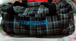 quiksilver traveling bag