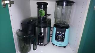 Good condition juicer and blender