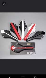OEM Fizik Arione saddle