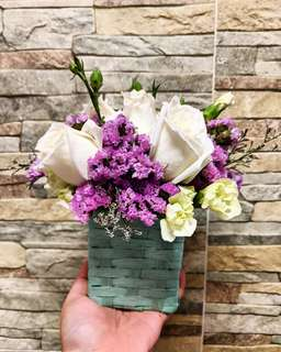 Fresh Floral Arrangements: Flower Basket