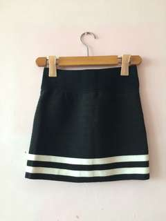 Two stripe black short pencil skirt