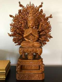 Thousand hands Kuan Yi Buddha (千手观音像)