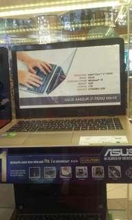 Asus A442UR i7-7500U Win-10