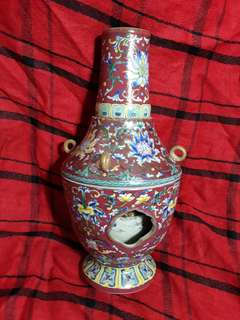 Qing dynaty Qian long mark famille rose vase 28cm high with rotatio inner vase .  大清乾隆年款珐瑯彩轶心并。