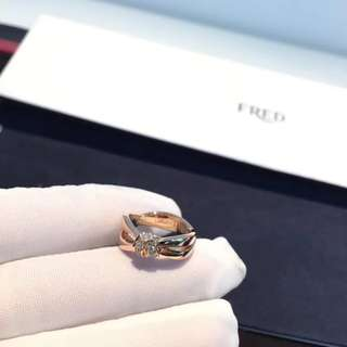 Chaumet 尚美 扭帶鑽石戒指