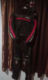 Komine suit