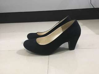 *BRAND NEW* BLACK SUEDE PUMPS FROM JAPAN