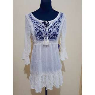BNWT F21 Embroidered Dress