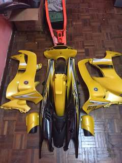 Coverset kuning diraja Untuk dijual condition 8/10 nk tolak skaly arm 125zr original da siap tebuk RM80