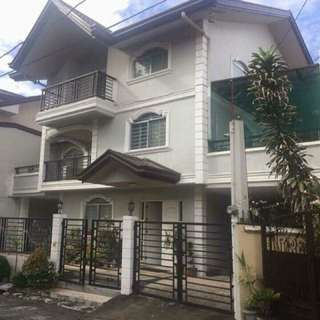 3 Storey House & Lot For Sale