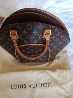 Louis Vuitton Ellipse GM