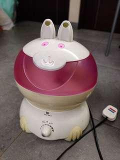 大約兩升水, 放濕器, 可作長時間放濕,按鈕有少許鬆但運作正常。