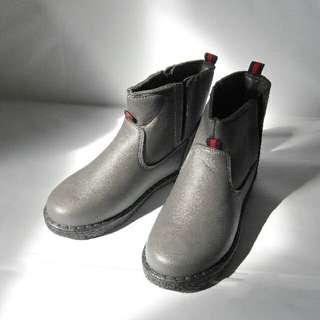 Shoe ,Boots, (winter)