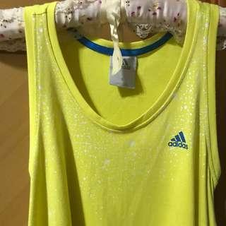 Adidas淺黃色連身裙