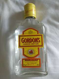 Gordon's London Dry Gin 200ml