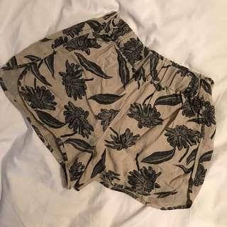 Glassons linen shorts