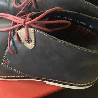 REPRICED: Kickers Vintage Chukka Booted Mid